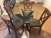 Glass Round Table w/Chairs in DeRidder, Louisiana