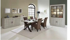 United Furniture - Antonia Dining - ---- China + Table + 4 Chairs + Sideboard including delivery in Stuttgart, GE