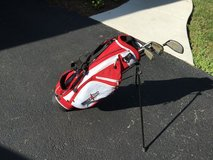 kids starter golf bag and clubs in Wheaton, Illinois