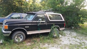 1990 Ford Bronco in Fort Leonard Wood, Missouri