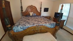 King Bed Set with Tempurpedic Mattress in Jacksonville, Florida