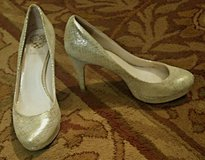 """Vince Camuto"" Silvery Gold Leather Pump in Fort Bragg, North Carolina"