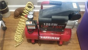Craftsman 1HP 3Gal AirCompressor in Fort Campbell, Kentucky