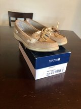 Sperry size 9 in Fort Bliss, Texas