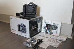 Canon 6D Mark i + Dual Battery Grip + Original Box w/ Papers + Like New! in Waldorf, Maryland