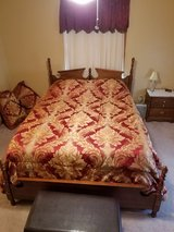 Queen size bedroom Suit in Warner Robins, Georgia