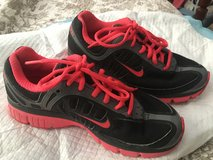 Women's Nikes Sz. 7 in Hopkinsville, Kentucky