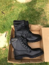 Men's Work Boots new U.K. 11 in Lakenheath, UK