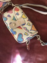 Dooney & Bourke wristlet Off white in Savannah, Georgia