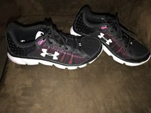 Ladies sz 10 Under Armor Shoes in The Woodlands, Texas