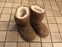 Ugg boots child's size 9 in Plainfield, Illinois