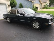 1998 JAGUAR  XJ8  74K MILES GOOD RUNNING CODITION . in Palatine, Illinois