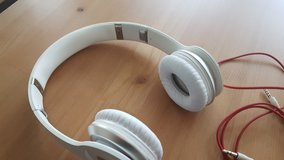 Headphones Beats by dr.dre solo in Ramstein, Germany