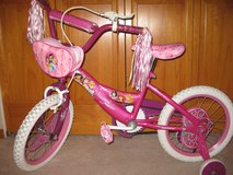 "16"" Girls Princess bike w/training wheels in Aurora, Illinois"