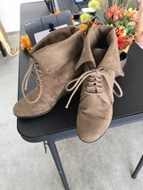 Fioni Dark Tan Booties in Fort Leonard Wood, Missouri