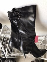 CL Laundry Black Boots in Fort Leonard Wood, Missouri