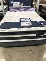New Queen sized iComfort Observer hybrid mattress in Osan AB, South Korea