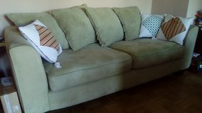 Sofa Combo and assorted pillows in Grafenwoehr, GE
