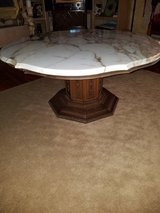 Vintage Coffee Table in Sandwich, Illinois