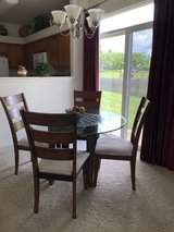 Table and 6 chairs....MOVING, MUST GO ASAP $125 OBO in Sandwich, Illinois
