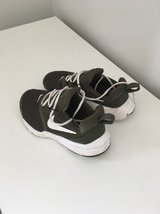 kaki Green Nike Trainers in Lakenheath, UK