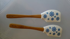 Set of 2 Pampered Chef Spatulas in Lawton, Oklahoma