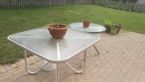 Glass Patio Tables in Glendale Heights, Illinois