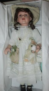 "Doll Vintage Duck House Heirloom 20"" Doll Meriel new in box in Fort Campbell, Kentucky"