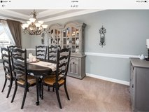 Thomasville French Country dining set in Batavia, Illinois