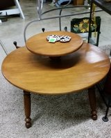 Coffee Table-Round in Clarksville, Tennessee