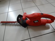 Black and Decker Electric Hedge Trimmer with 16-inch Blade in Okinawa, Japan