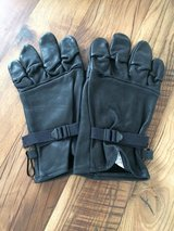 Leather gloves in Wiesbaden, GE
