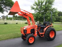 2010 Kubota B3300 4x4 33 HP Tractor w/Loader in Fort Meade, Maryland