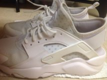 Like New Nike Air Huarache Mens in Okinawa, Japan