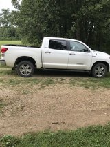 2007 Toyota Tundra Limited 4WD in Fort Leonard Wood, Missouri