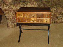 10 drawer end table in St. Charles, Illinois