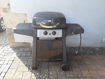Propane gas grill BBQ with extra cooking area in Baumholder, GE