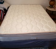 Queen bed/Box spring/Frame in Baytown, Texas