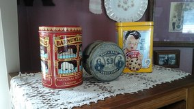 Vintage Food  Product Tins Nabisco  Animal  Crackers Toll House  Cookie  Smith Bros. Cough drops in Glendale Heights, Illinois