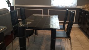 Dining Table/4 chairs in New Lenox, Illinois
