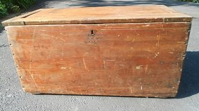 Carpenter's Tool Chest Box in Glendale Heights, Illinois
