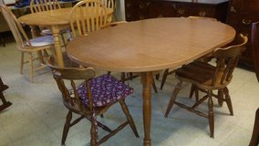 Nice Dining Table Set in Norfolk, Virginia