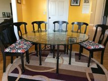 Glass top dine table & 6 chairs in Wheaton, Illinois