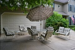 Winston Patio Set in Glendale Heights, Illinois