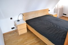 Sale Pending - Complete Ikea Malm bed 160 x 200cm with two nite stands - sale pending in Stuttgart, GE