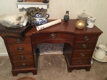 Laminated Mahogany desk in Kingwood, Texas