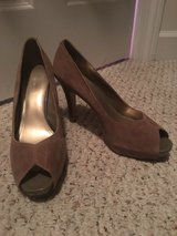 Nine West Peep-toe Heel Sz 10 in Pleasant View, Tennessee