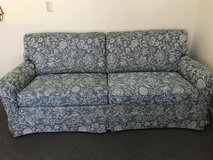 sofa in great condition in Camp Lejeune, North Carolina
