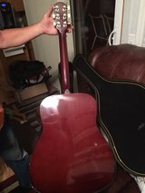 Fender Acoustic Guitar w/Case in Chicago, Illinois