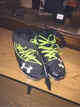 under armoir football cleats size 4.5 Y in Lawton, Oklahoma
